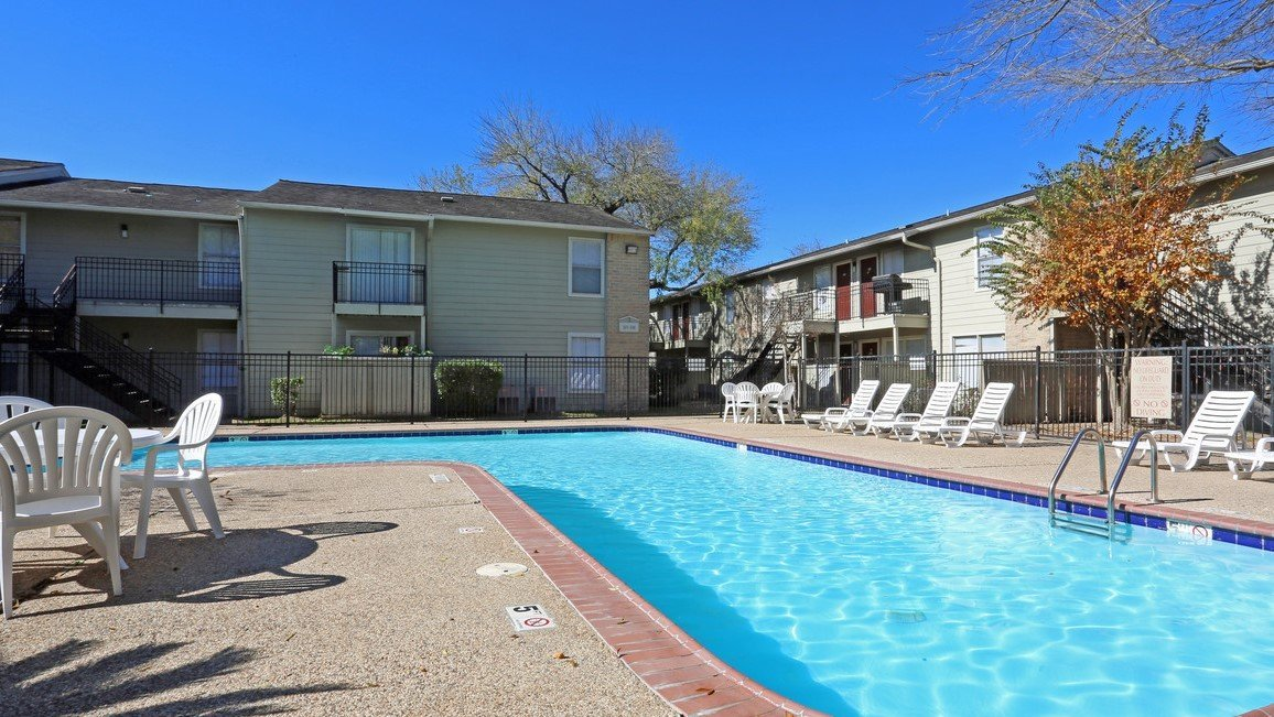 Rockridge springs affordable 1 2 3 bedroom apartments for Affordable pools houston texas