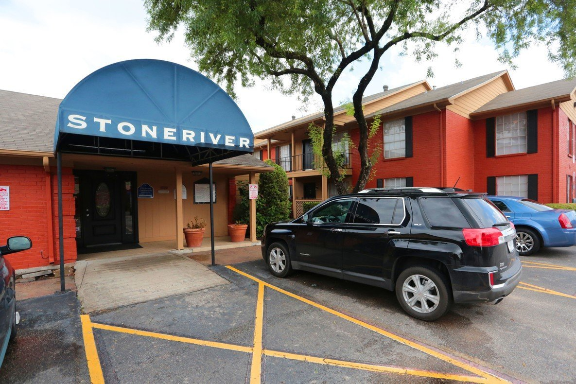 Houston Texas Stoneriver Apartment Leasing Office