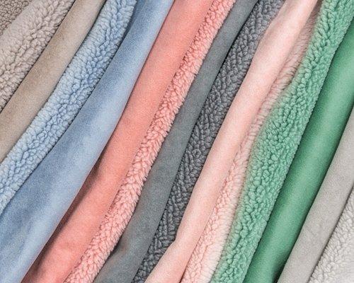 Coupled fabrics colours