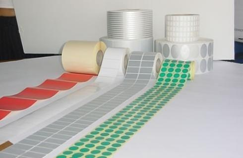 Etichette adesive di vari colori