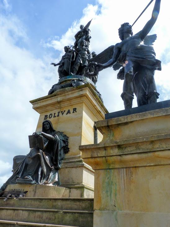 statue-bolivar-boyaca