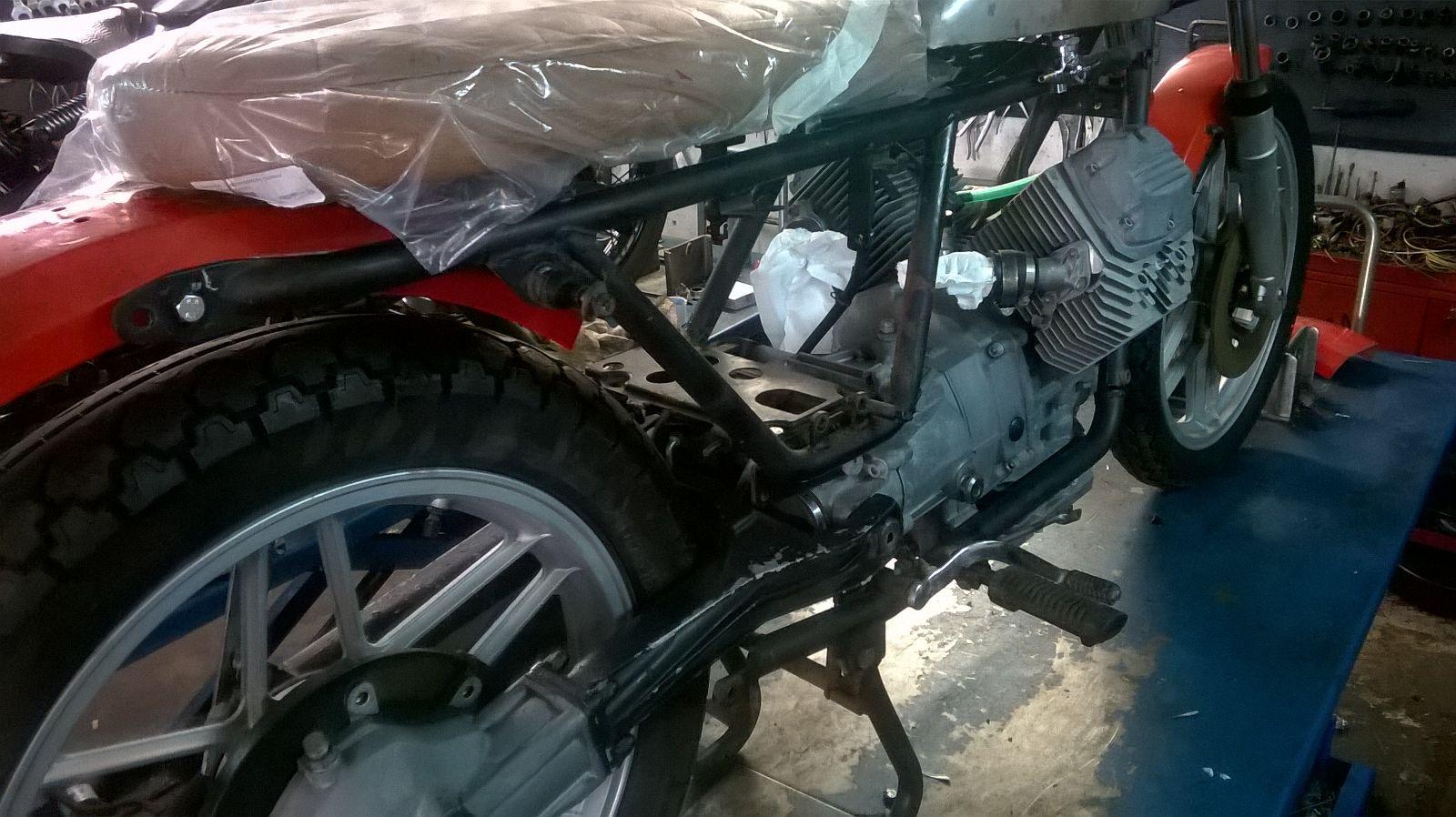 restauro moto d'epoca particolare 1