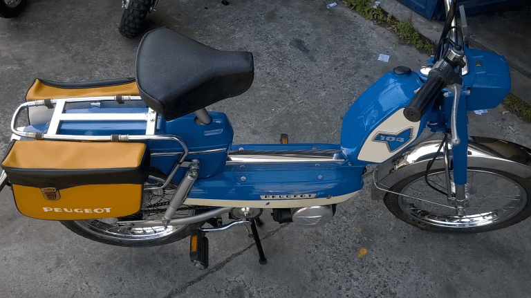 MOTORINO PEUGEOT 104. V. Del 1974