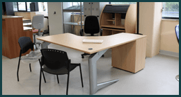 tecnologie per commercio, attrezzature per archivi, tavoli per conferenze