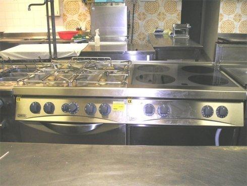 attrezzature di acciaio inox per l'industria alimentare, banchi frigoriferi