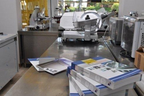 apparecchi per cottura per comunità, armadi refrigeranti, articoli per la ristorazione