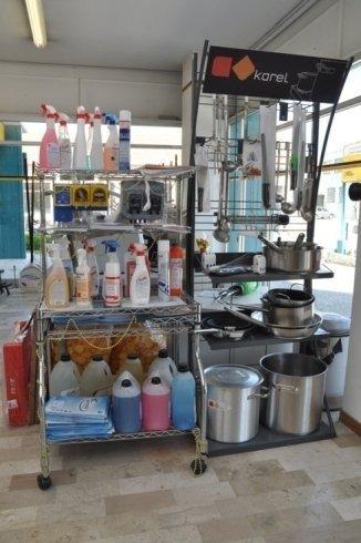 utensileria, attrezzature, accessori per la pulizia