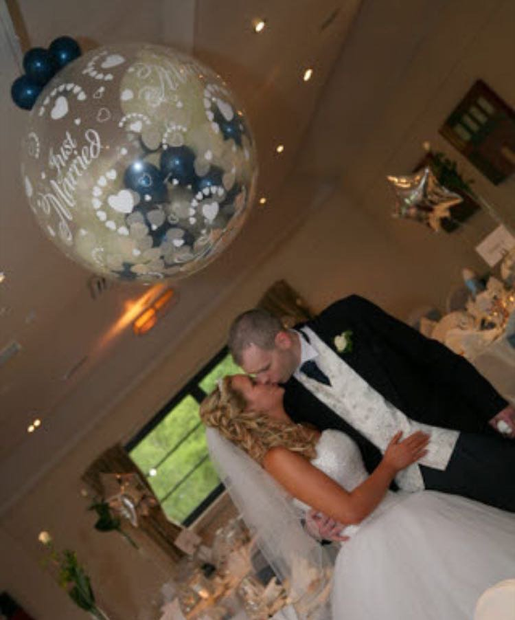 balloon at wedding