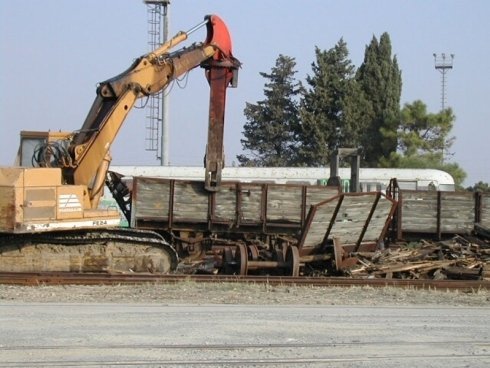 demolizione struttura legno