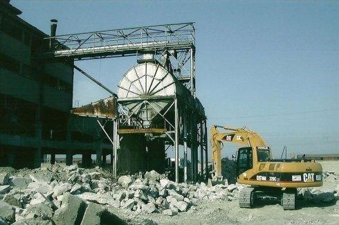 demolizione grandi strutture