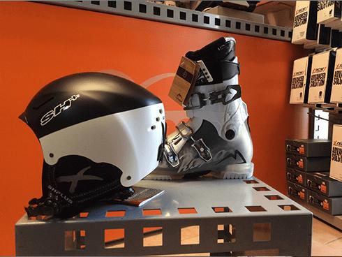 casco e scarponi