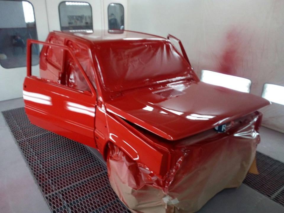 verniciatura rossa carrozzeria auto
