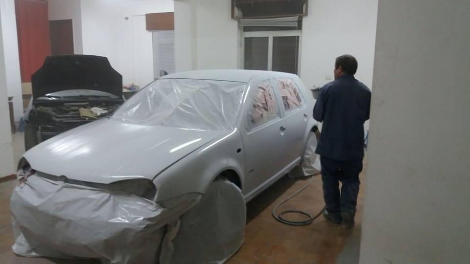 verniciatura di un auto