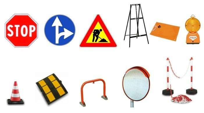 dei segni stradali e oggetti di emergenza