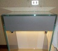 vetro incollato con raggi uv, arredi in vetro, tavolini in vetro