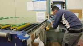 produzione sagomature vetro, vetro arredamento interni, manufatti vetro