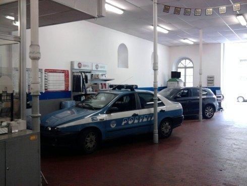 Assistenza mezzi della polizia