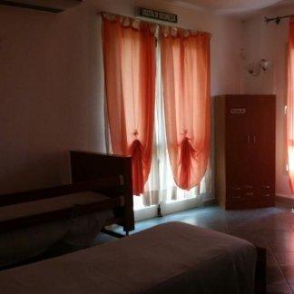 stanza ospiti con due letti singoli  della casa di cura