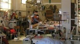 tappezzeria artigianale, lavorazione manuale, tendaggi per interni