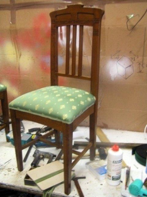 struttura sedia in legno, seduta sedia in tessuto
