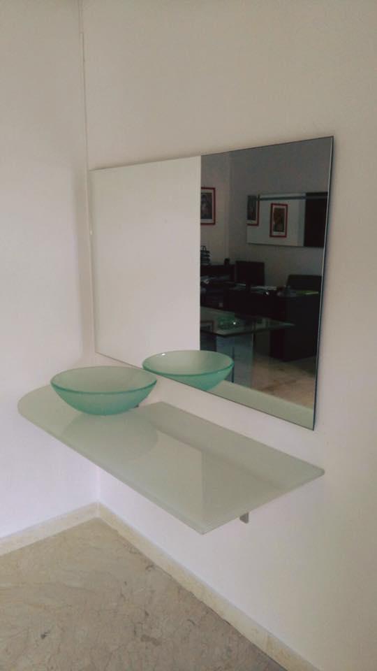 lavandino in vetro