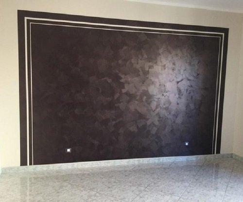 parete tinteggiata con decorazioni