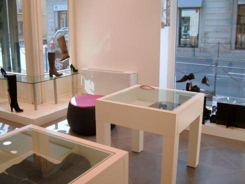 Tavolini in vetro per esposizione