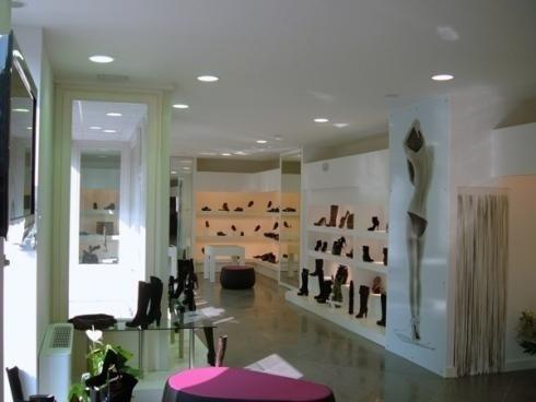 Allestimento negozio scarpe