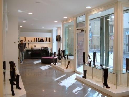 Allestimento moderno di negozio