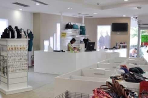 Allestimento negozio moda