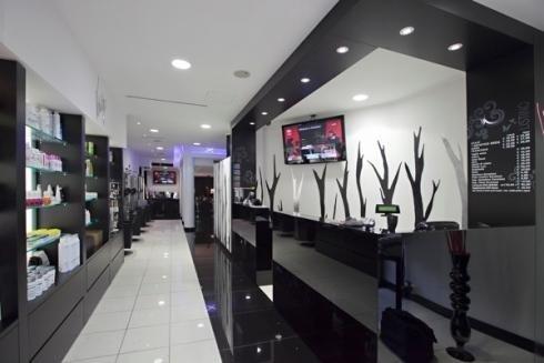 Illuminazione per negozi di parrucchieri arredamento for Arredamento per parrucchieri offerte
