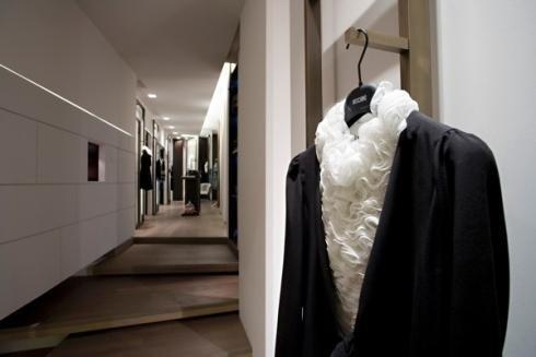 Soluzioni design per esposizione abiti