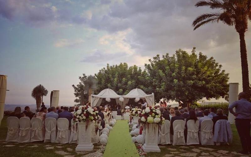 eventi e cerimonia nel giardino del feudo