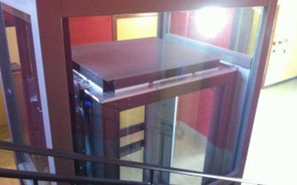 ascensore vetro e alluminio