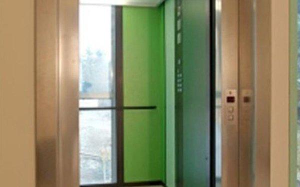 ascensore verde