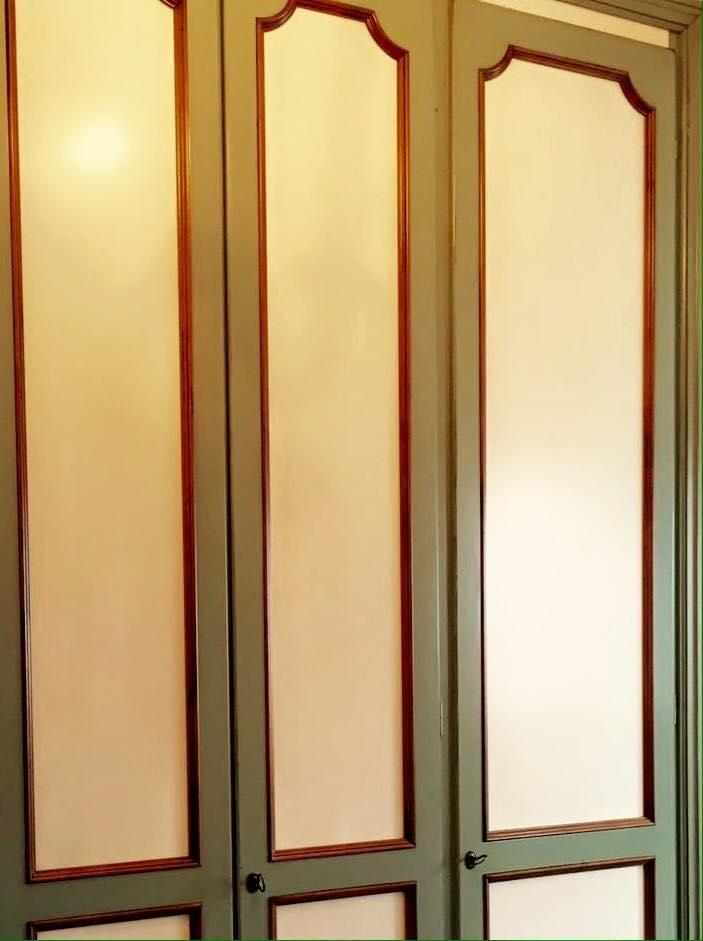 armadio bianco e verde