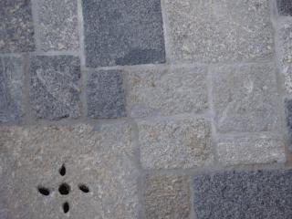pavimenti in  pietra albese di cassano