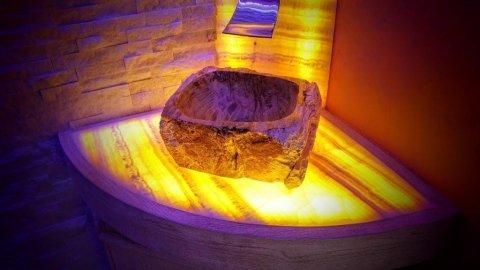 lavabo scavato in pietra naturale bis