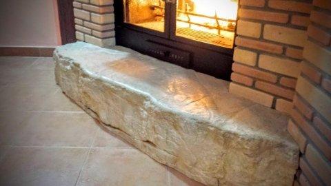 base camino in masso di pietra naturale