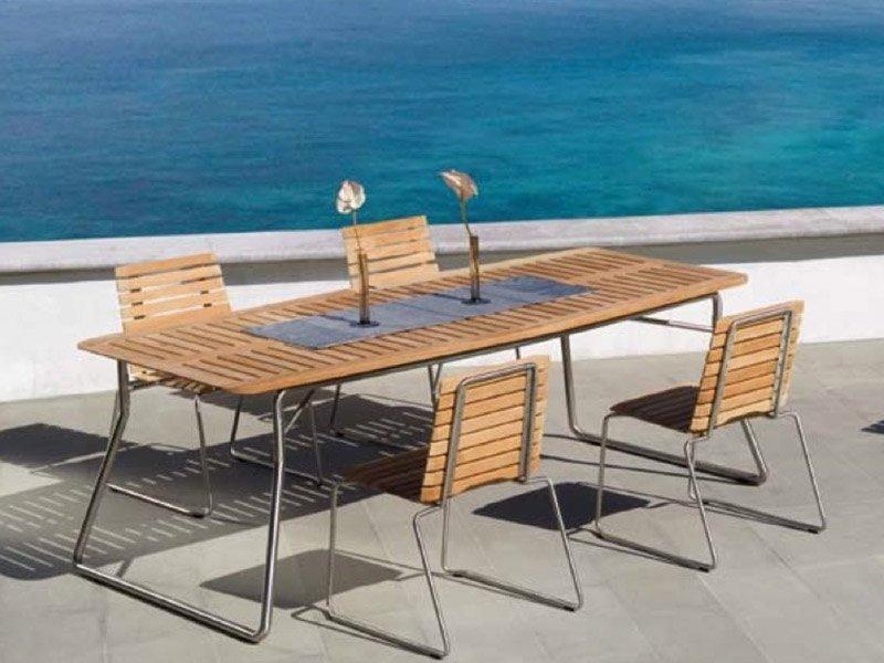 Tavoli sedie legno giardino