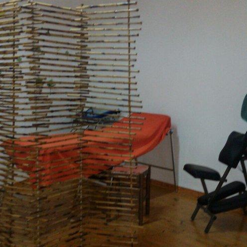 Barella di massaggio e sedia ergonomica