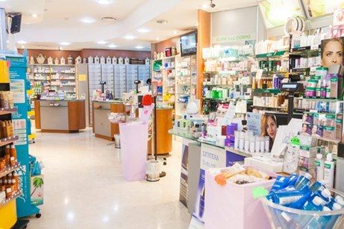 farmaci sugli scaffali