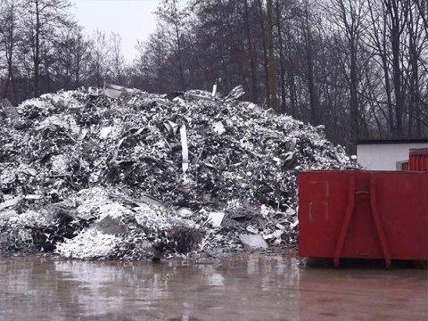 Servizio smaltimento e raccolta rifiuti mertallici