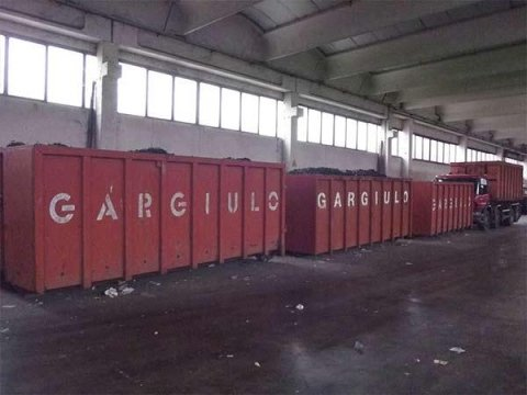 Servizio di noleggio pressa-container