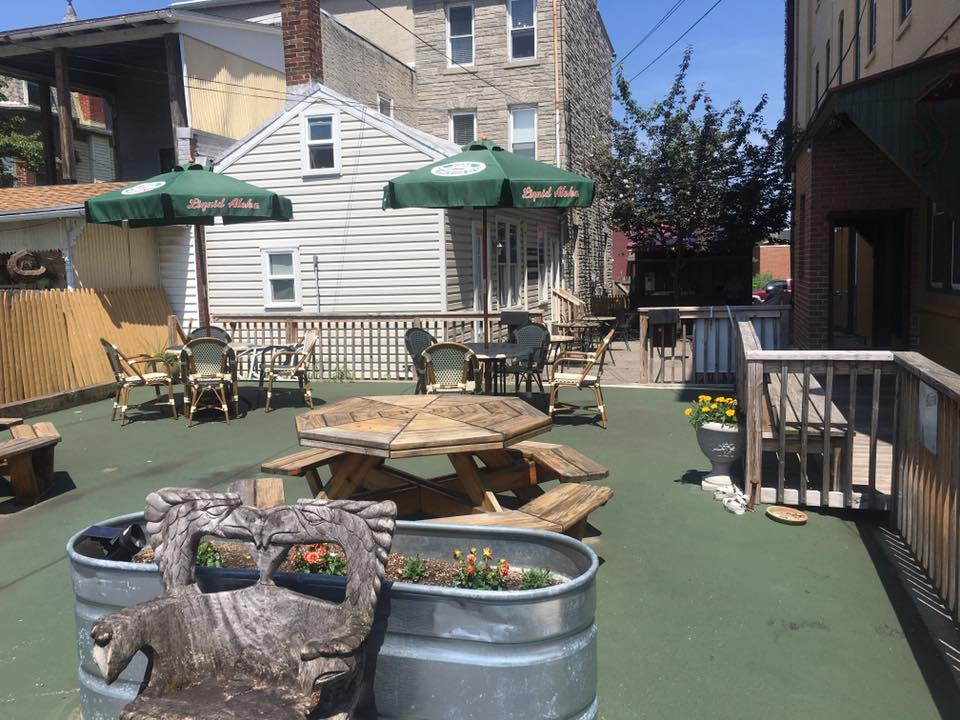 Fleetwood Grille Patio
