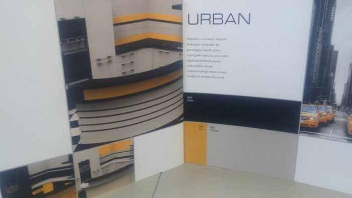 vista interna di una parete scritto URBAN