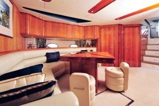 pulizia yacht