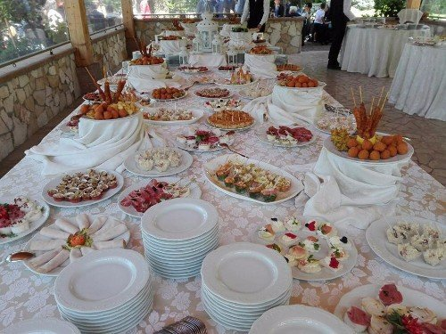 tavolo a buffet