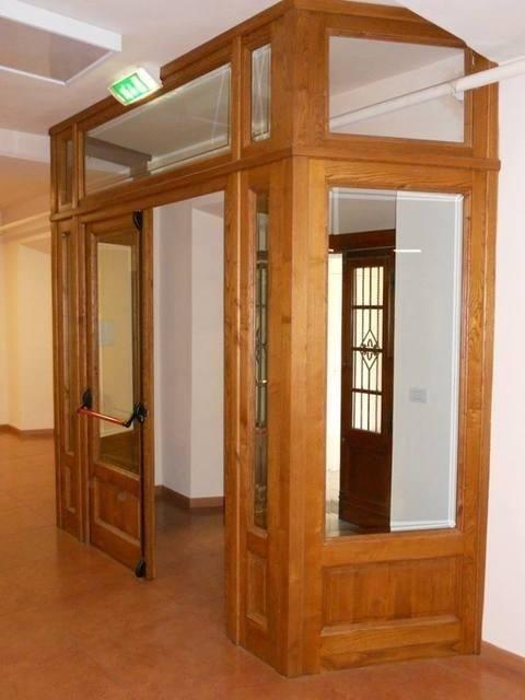 entrata in legno e vetro
