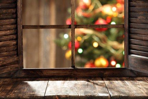 Finestra in legno su albero di Natale